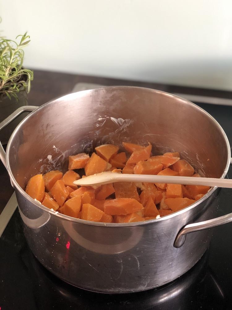 Kürbissuppe für Hunde kochen